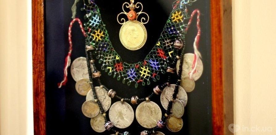 Фото 1 - Старинные женские украшения