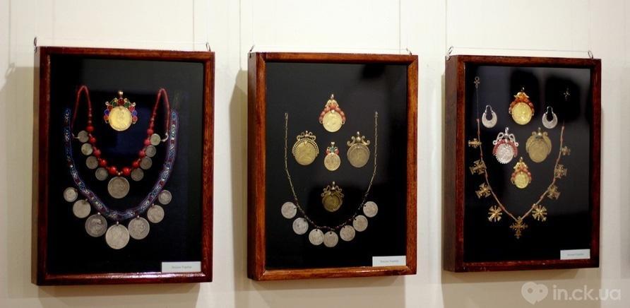 Фото 2 - Старинные женские украшения