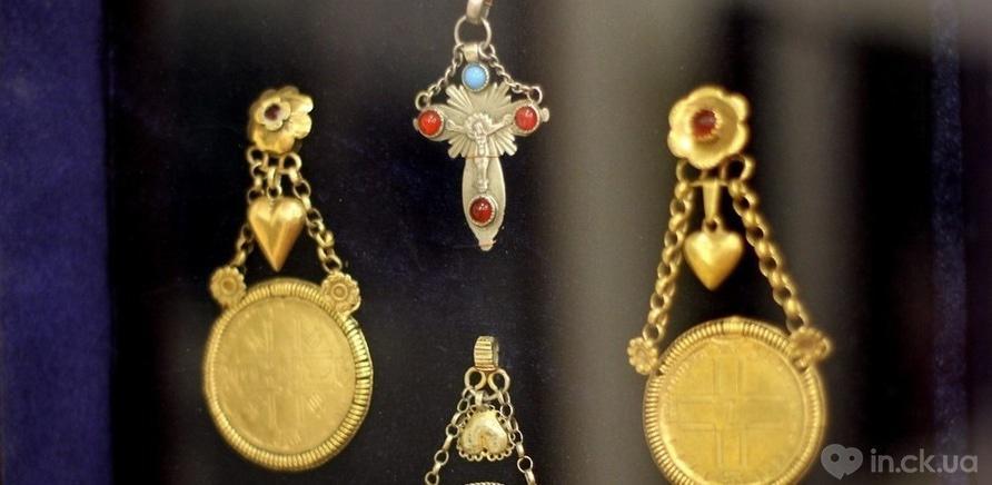 Фото 3 - Старинные женские украшения