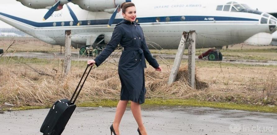 Фото 1 - На земле стюардессы иногда бывают реже, чем в небе