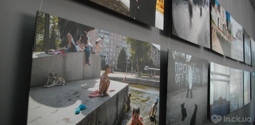 Фото 1 - Выставка фотографий Игоря Ефимова открылась в Черкассах