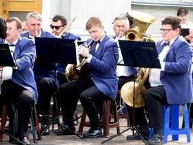 Стаття 'У сквері біля облради знову гратиме оркестр'