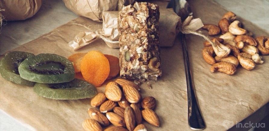 Фото 1 - Братья из Черкасс собственноручно готовят полезные сладости