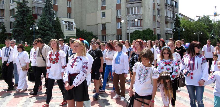 Фото 9 - В Черкассах в четвертый раз состоялся марш в вышиванках