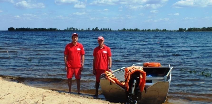 Фото 1 - На черкасских пляжах появились спасательные посты