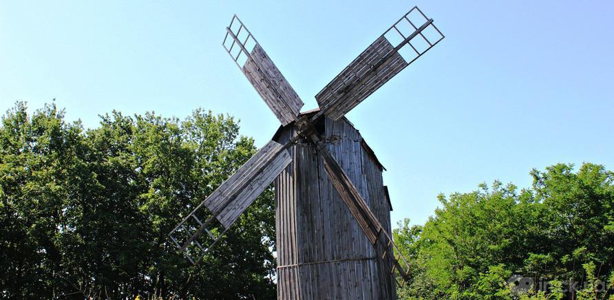 Фото 1 - Ветряная мельница, построенная в 1906 году