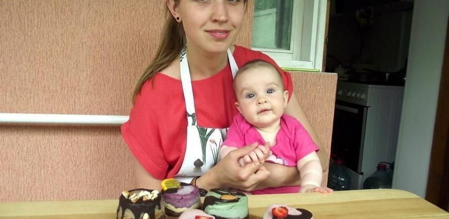 'Без молока, сахара, муки и дрожжей: черкасщанка готовит сладости для веганов и сыроедов'
