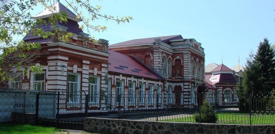 Фото 3 - Здание женской гимназии. Фото – Алексей-Киев