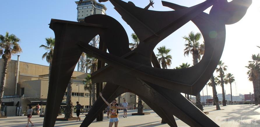 Фото 1 - Під час подорожі в Іспанію