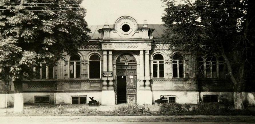 Фото 2 - Старое помещение краеведческого музея. Фото с Facebook Юрия Мезенцева
