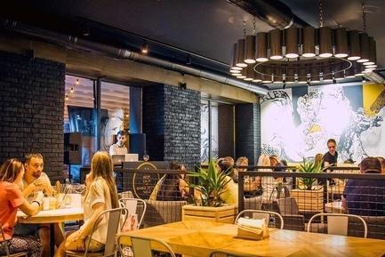 'Новые места: 10 заведений, которые открылись летом'