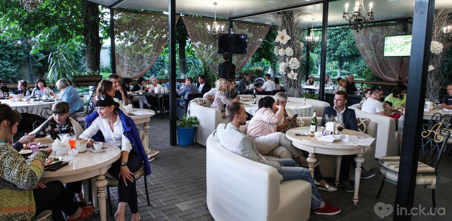 Фото 2 - Новые места: 10 заведений, которые открылись в Черкассах летом