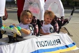 Статья 'В Черкассах состоялся праздничный парад детских колясок'