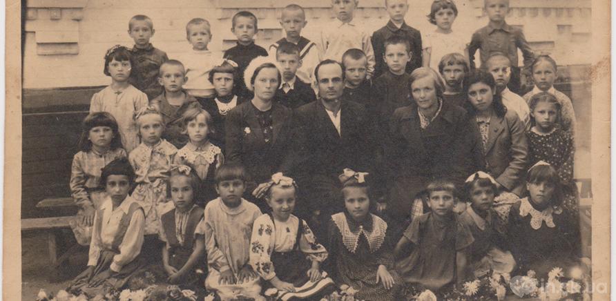 Фото 2 - А это та самая школа, но в 1949 году. Первый класс в школе №5 мамы Натальи Мамалыги – Оришкевич Любови Лукиничны. Фото – из личного архива Натальи Мамалыги