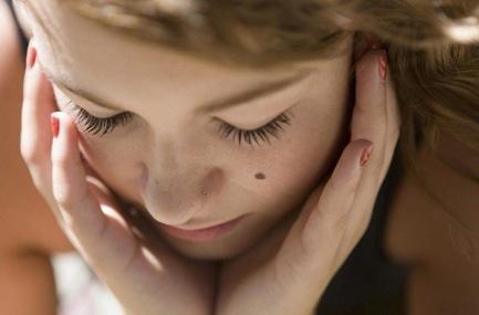'Обычная родинка на теле может превратиться в опухоль. Что с этим делать?'