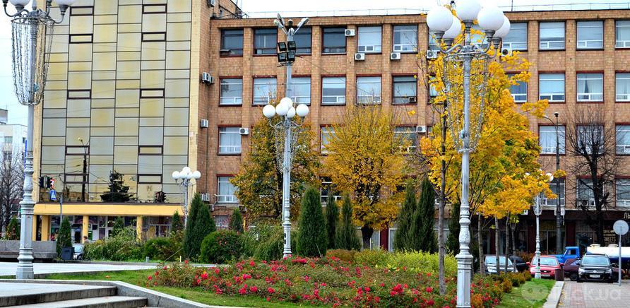 Фото 4 - Територія Черкаської обласної державної адміністрації