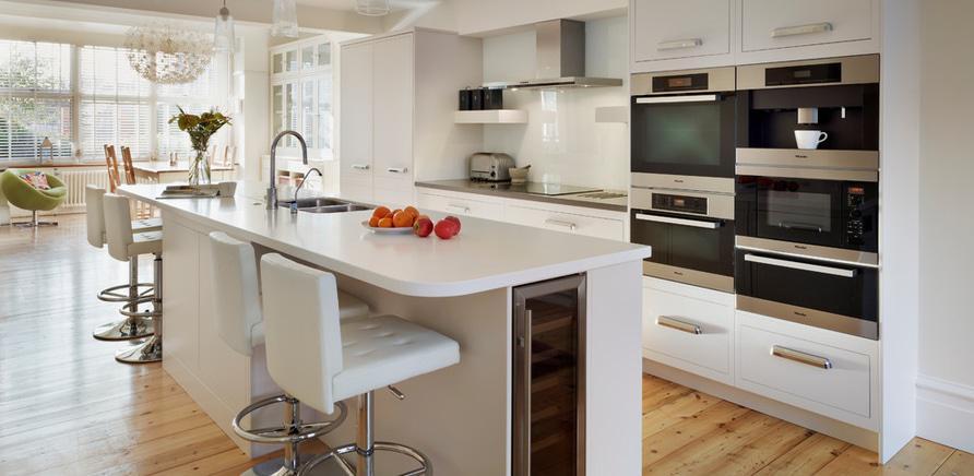 Фото 1 - Встроенная техника поможет разгрузить рабочее пространство на кухне