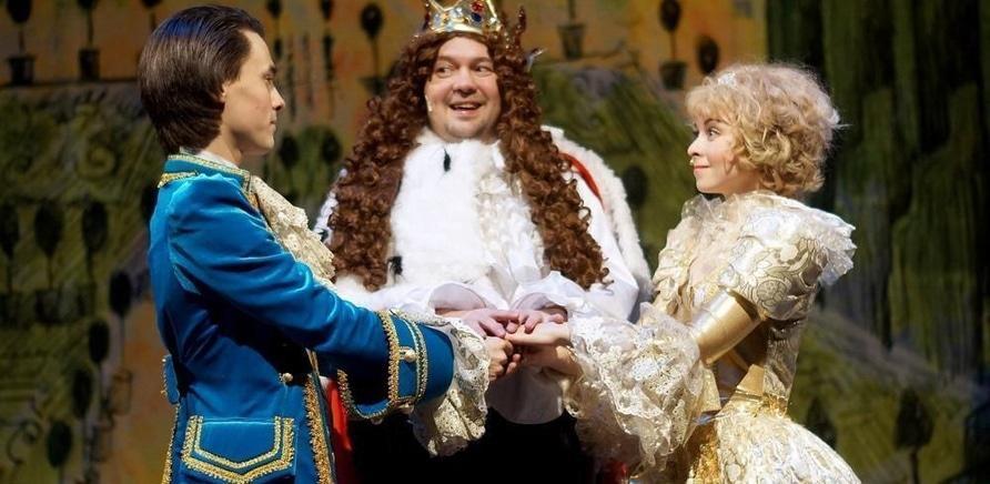 'Получи 2 билета на спектакль-сказку для всей семьи 'Золушка''