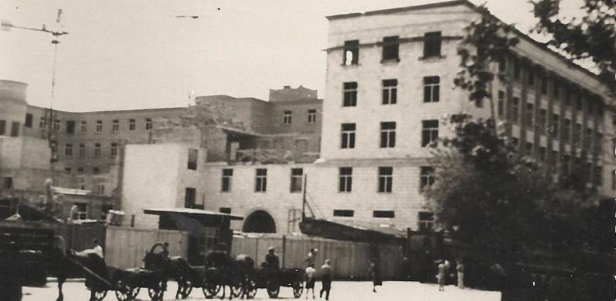 Строительство Дома советов, вид с угла Хрещатик – Байды Вишневецкого