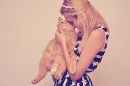 Стаття 'Кіт Професор і шпіц Пепс: які улюбленці живуть удома у відомих черкащан'