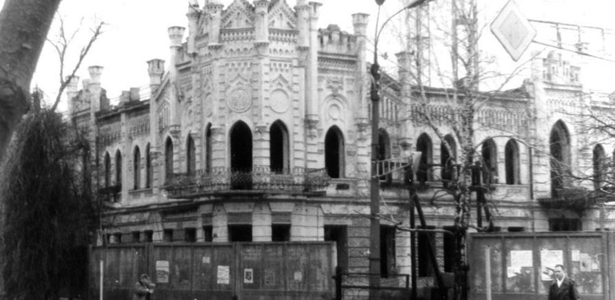 """Реконструкция """"голубого дворца"""", в ходе которой полностью изменился интерьер помещения"""