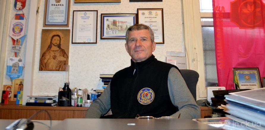 Фото 1 - Среди экспонатов стоит скромный рабочий стол руководителя ассоциации – Ивана Мороза