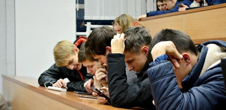 'Студенты ЧНУ и ЧГТУ сыграли в коллективные шахматы'