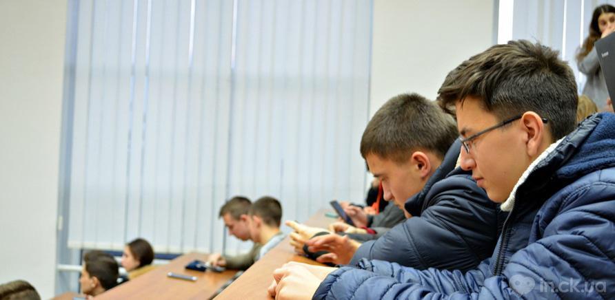 Фото 2 - Студенты ЧНУ на коллективном шахматном турнире