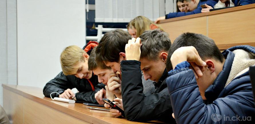 Фото 4 - Студенты ЧНУ на коллективном шахматном турнире