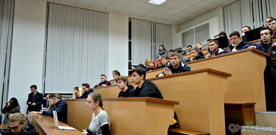 Фото 5 - Студенты ЧНУ на коллективном шахматном турнире