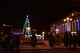 Статья 'Святой Николай зажег новогоднюю елку на Соборной площади'