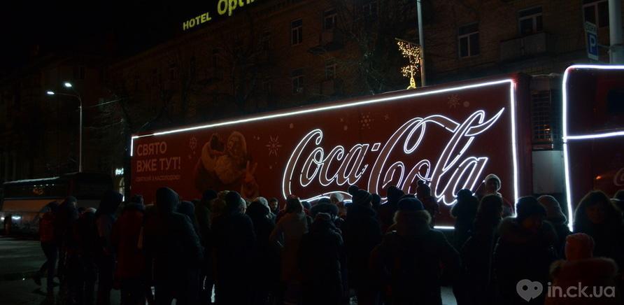 Фото 2 - Святой Николай зажег новогоднюю елку на Соборной площади