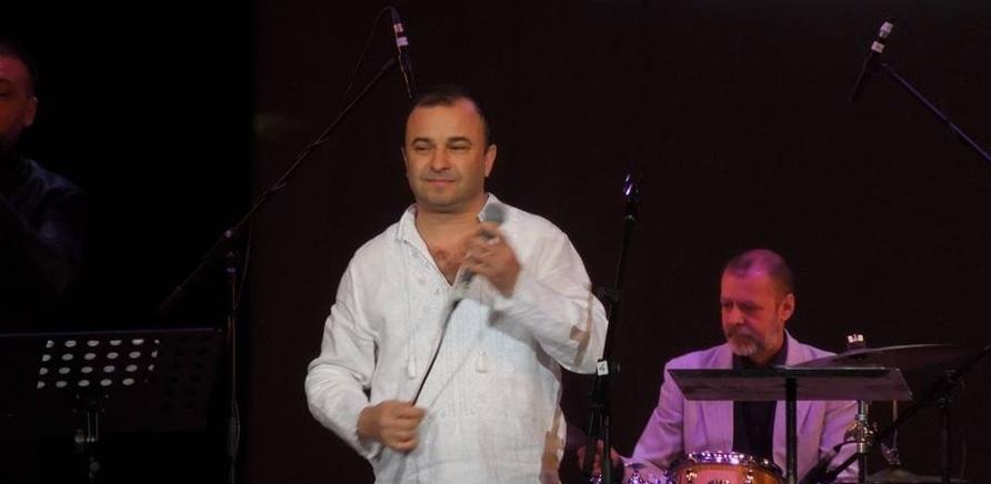 Фото 5 - Виктор Павлик на черкасской сцене. Фото з Facebook Anatolij Barabash