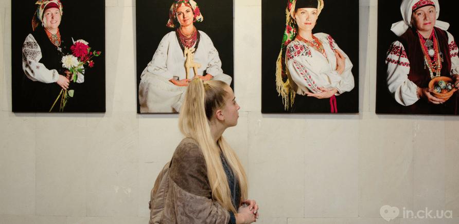 Фото 1 - Выставка головных уборов состоялась в Черкассах