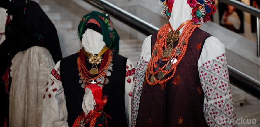 Фото 5 - Выставка головных уборов состоялась в Черкассах