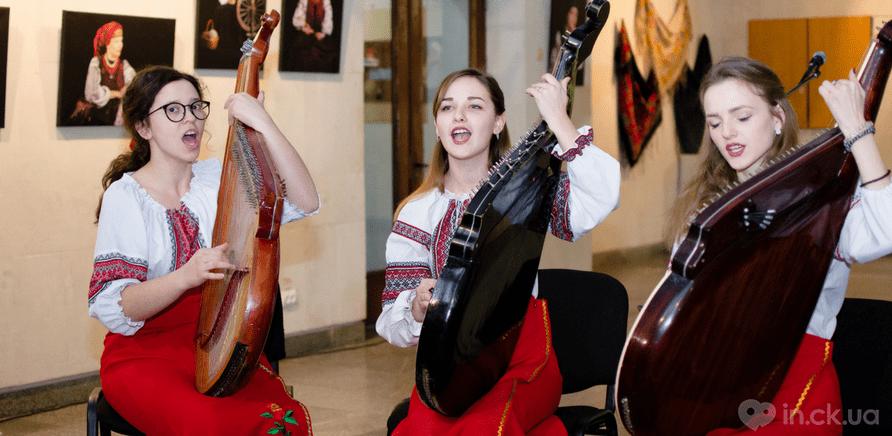 Фото 9 - Выставка головных уборов состоялась в Черкассах