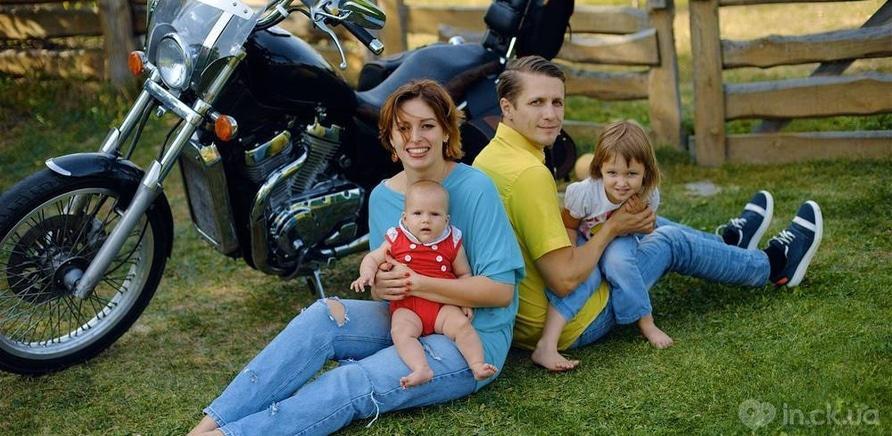 Фото 4 - Анна Колодницька з чоловіком та дітьми