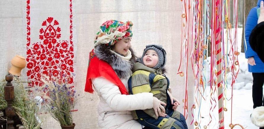 """Фото 8 - Черкасщане праздновали Масленицу в """"Сосновом бору"""""""