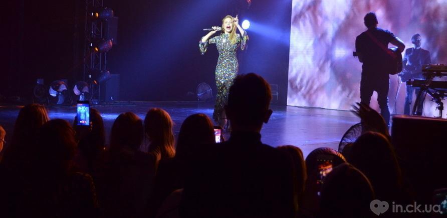 Фото 3 - Тина Кароль выступила в Черкассах в рамках всеукраинского тура
