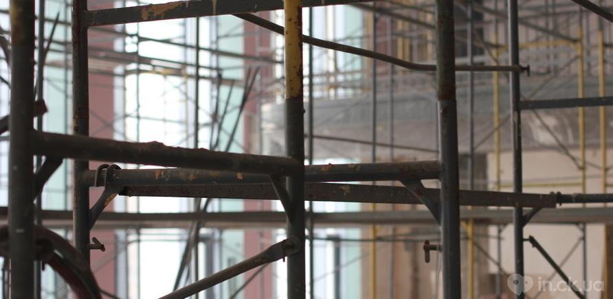 Фото 3 - Черкаський драмтеатр: ремонтні роботи набирають обертів