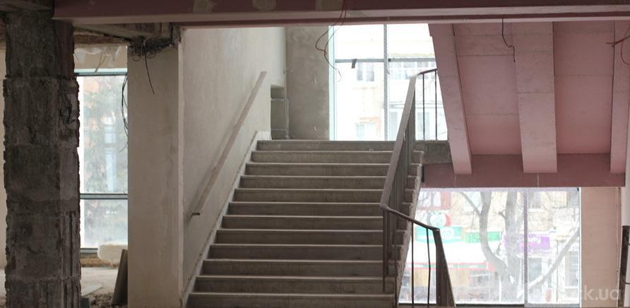 Фото 5 - Черкаський драмтеатр: ремонтні роботи набирають обертів