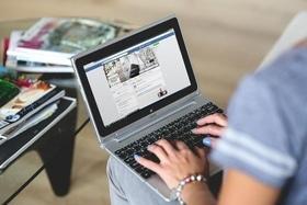 """Статья 'Не превращайтесь в пластик: 7 советов по """"информационной гигиене"""" в Facebook'"""
