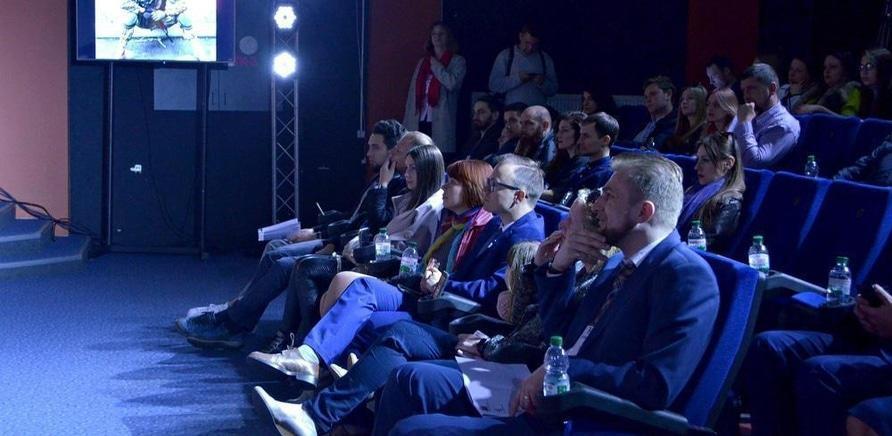 'Нові люди – нове місто: у Черкасах відбувся форум у форматі TED'