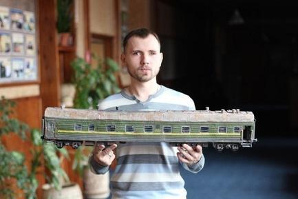 Стаття 'Черкащанин виготовляє реалістичні моделі бронетехніки'