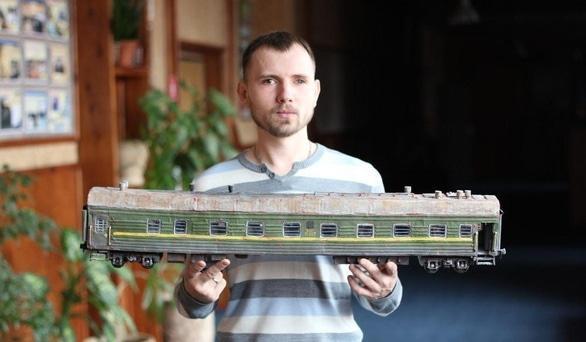 'Черкасщанин изготавливает реалистичные модели бронетехники' - in.ck.ua