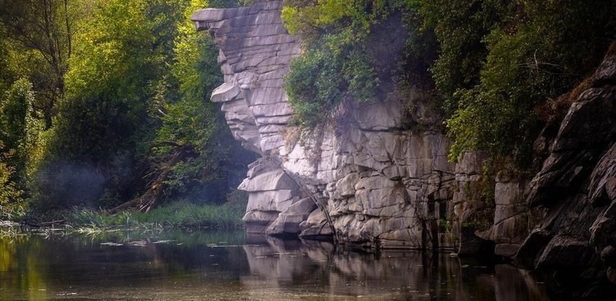 Фото 1 - Буцкий каньон. Фото – yilin.com.ua