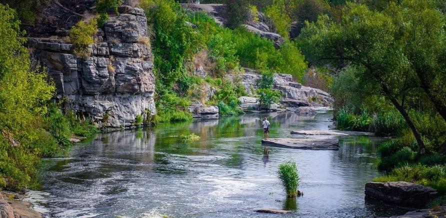 Фото 2 - Буцкий каньон. Фото – yilin.com.ua