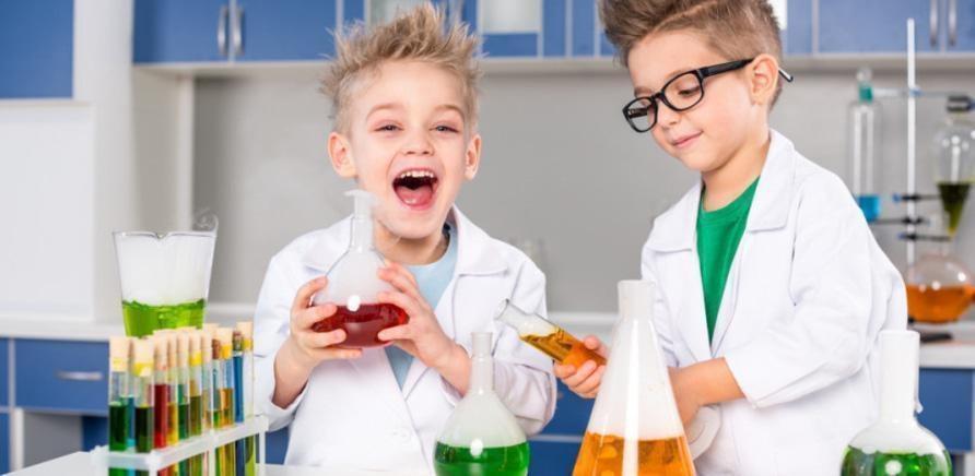'Микс науки и отдыха: в Черкассах запускают научный лагерь для детей'
