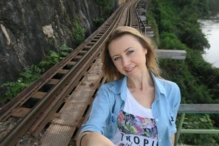 Стаття 'Черкащанка-блогер подорожує світом завдяки YouTube'