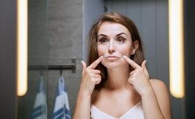 '8 марта' - статья Как помолодеть за месяц: инъекции красоты